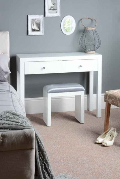 An Image of MADISON White Glass Dressing Table with 4 Legs