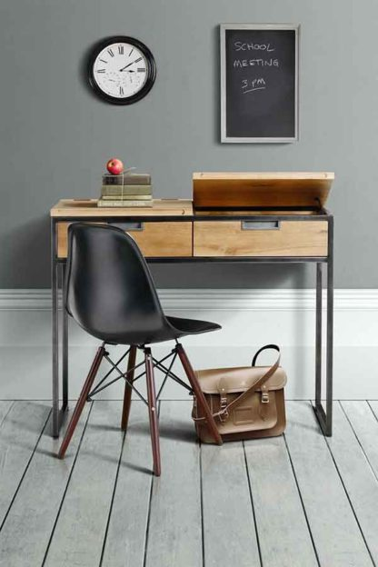 An Image of Qubix Industrial Desk - Solid oak and steel