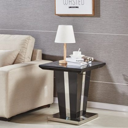 An Image of Memphis Lamp Table Square In Black High Gloss With Glass Top