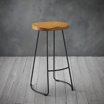 An Image of Bailey Black Metal Leg Bar Stool With Pine Wood Seat