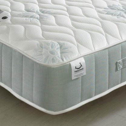 An Image of New Sensation 1200 Pocket Sprung Memory Foam Mattress - 4ft6 Double (135 x 190 cm)