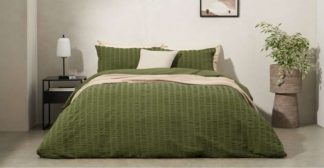 An Image of Laboni Seersucker 100% Cotton Duvet Cover + 2 Pillowcases, Double, Moss Green UK