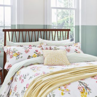 An Image of Joules Spring Geometric Chalk Throw Natural (Cream)