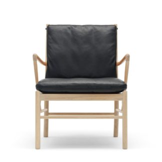 An Image of Carl Hansen & Søn OW149 Colonial armchair Oak Soap / Leather Thor 301