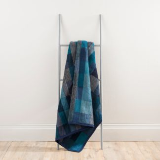 An Image of Thermosoft Navy Check Blanket Navy and Grey