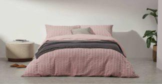 An Image of Laboni Seersucker 100% Cotton Duvet Cover + 2 Pillowcases, Double, Dusty Pink