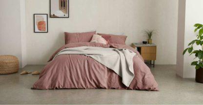 An Image of Tira Linen/Cotton Duvet Cover + 2 Pillowcases, King Size, Dark Rose