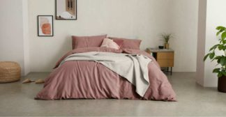An Image of Tira Linen/Cotton Duvet Cover + 2 Pillowcases, Super King Size, Dark Rose