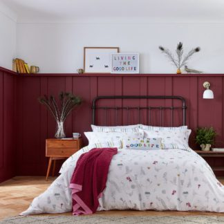 An Image of Joules The Country Estate Raspberry Throw Raspberry (Pink)