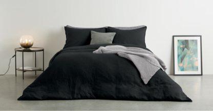 An Image of Brisa 100% Linen Duvet Cover + 2 Pillowcases Super King, Black