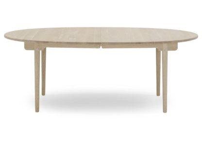 An Image of Carl Hansen & Søn CH338 Extending Dining Table Soaped Oak