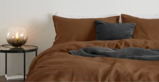 An Image of Brisa 100% Linen Pair of Pillowcases, Mocha