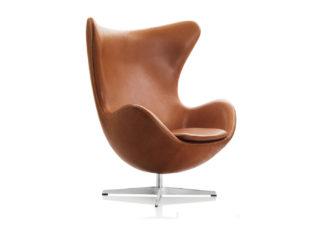An Image of Fritz Hansen Egg Chair Grace Leather Walnut