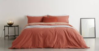 An Image of Solar Cotton Reversible Duvet Cover + 2 Pillowcase, Double, Washed Red/Rose Pink UK
