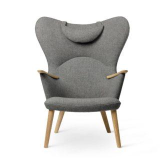 An Image of Carl Hansen & Søn CH78 Lounge Chair with head rest, Oak/Fiord 0151
