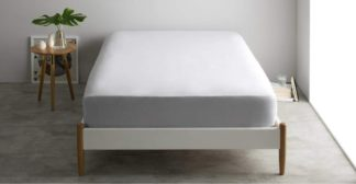 An Image of Alexia 100% Stonewashed Cotton Fitted Sheet Double, Light Grey