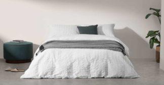 An Image of Laboni Seersucker 100% Cotton Duvet Cover + 2 Pillowcases, Double, White