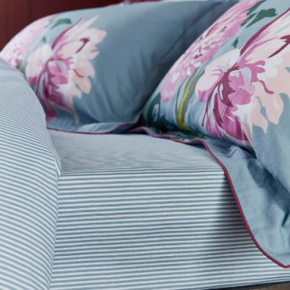An Image of Joules Melrose Floral Blue 100% Cotton Fitted Sheet Light Blue