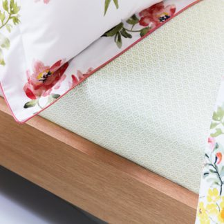 An Image of Joules Kelmarsh Floral 100% Cotton Fitted Sheet MultiColoured
