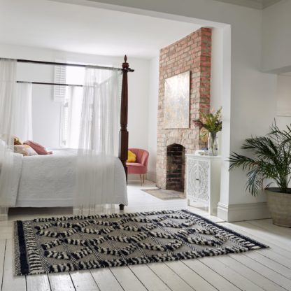 An Image of Marley Wool Rug Black and White