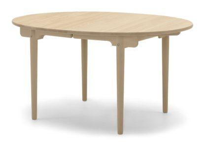 An Image of Carl Hansen & Søn CH337 Extending Dining Table Oiled Oak