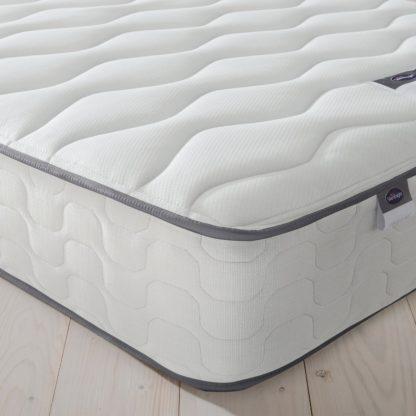 An Image of Silentnight Middleton 800 Pocket Comfort Kingsize Mattress