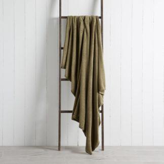 An Image of Soft Fleece 130cm x 170cm Throw Khaki (Green)