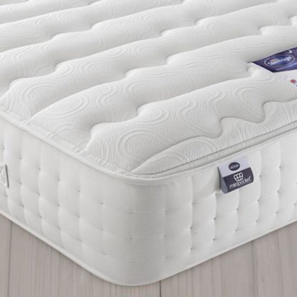 An Image of Silentnight 2800 Pocket Luxury Single Mattress