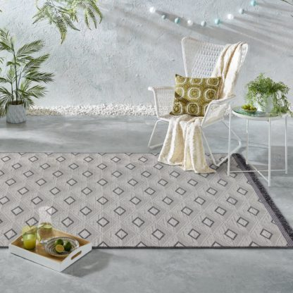 An Image of Tri Natural Indoor Outdoor Rug Grey, Black and White
