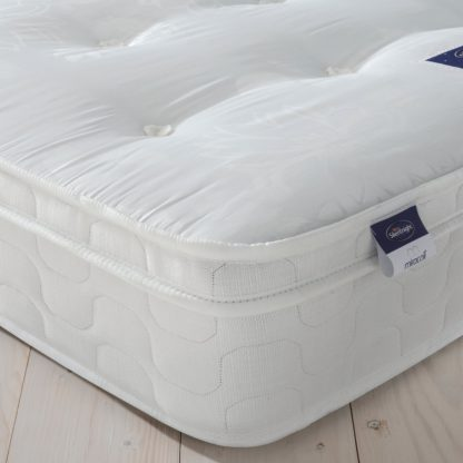An Image of Silentnight Miracoil Travis Tufted Ortho Single Mattress