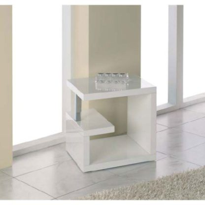 An Image of Geno End Table In High Gloss White