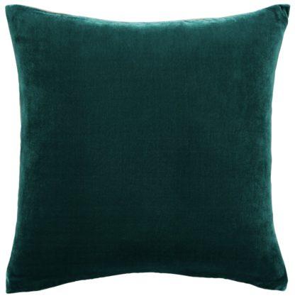 An Image of Habitat Regency 45 x 45cm Velvet Cushion - Emerald Green