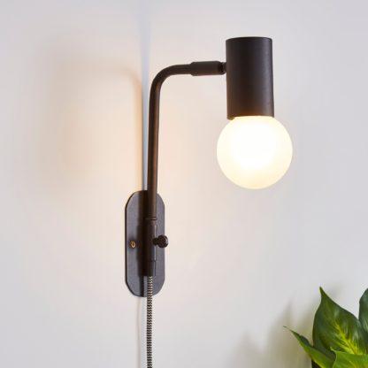 An Image of Bradford EasyFit Plug in Wall Light Matt Black Matt Black