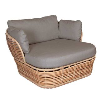 An Image of Cane Line Basket Garden Lounge Chair in Natural with Taupe Fabric