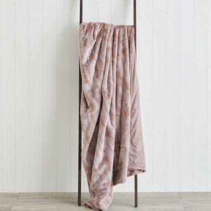 An Image of Marble Plush Faux Fur 130cm x 180cm Throw Blush
