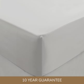 An Image of Dorma 300 Thread Count 100% Cotton Sateen Plain Fitted Sheet White