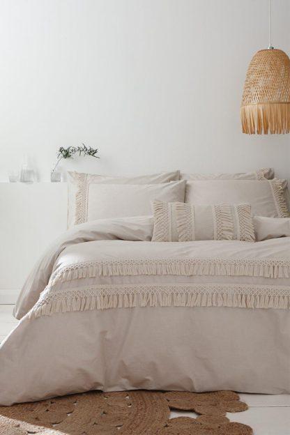 An Image of Izmir Cotton Tassel Single Duvet Set