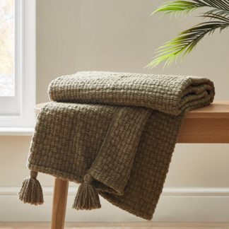 An Image of Ludlow Olive Throw Olive (Green)