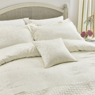 An Image of Helena Springfield Cassie Duvet Cover - King