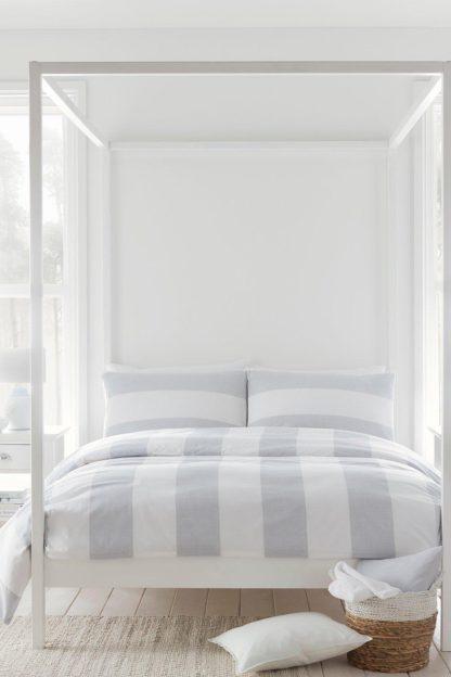 An Image of Upton Stripe Super King Duvet Set