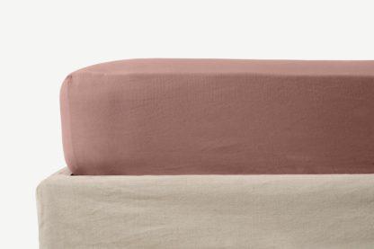 An Image of Tira Linen & Cotton Blend Fitted Sheet, King, Dark Rose