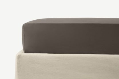 An Image of Zana 100% Organic Cotton Stonewashed Fitted Sheet, Double, Anthracite Grey