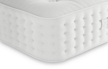 An Image of M&S Luxury 5800 Pocket Sprung Medium Mattress