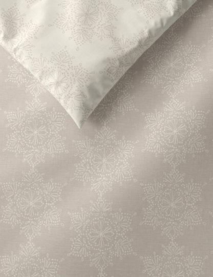 An Image of M&S Cotton Mix Snowflake Bedding Set
